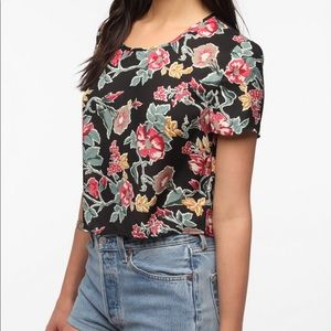 🍩 Urban Outfitters Reformed Crop Top Holly Floral